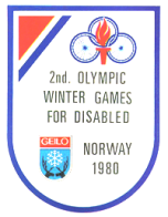 The logo consists of the Geilo city emblem, the antlers of two reindeer facing each other holding a snowflake between them, and the three wheel logo of the International Stoke Mandeville Games Federation (ISMGF) combined with a flaming torch.