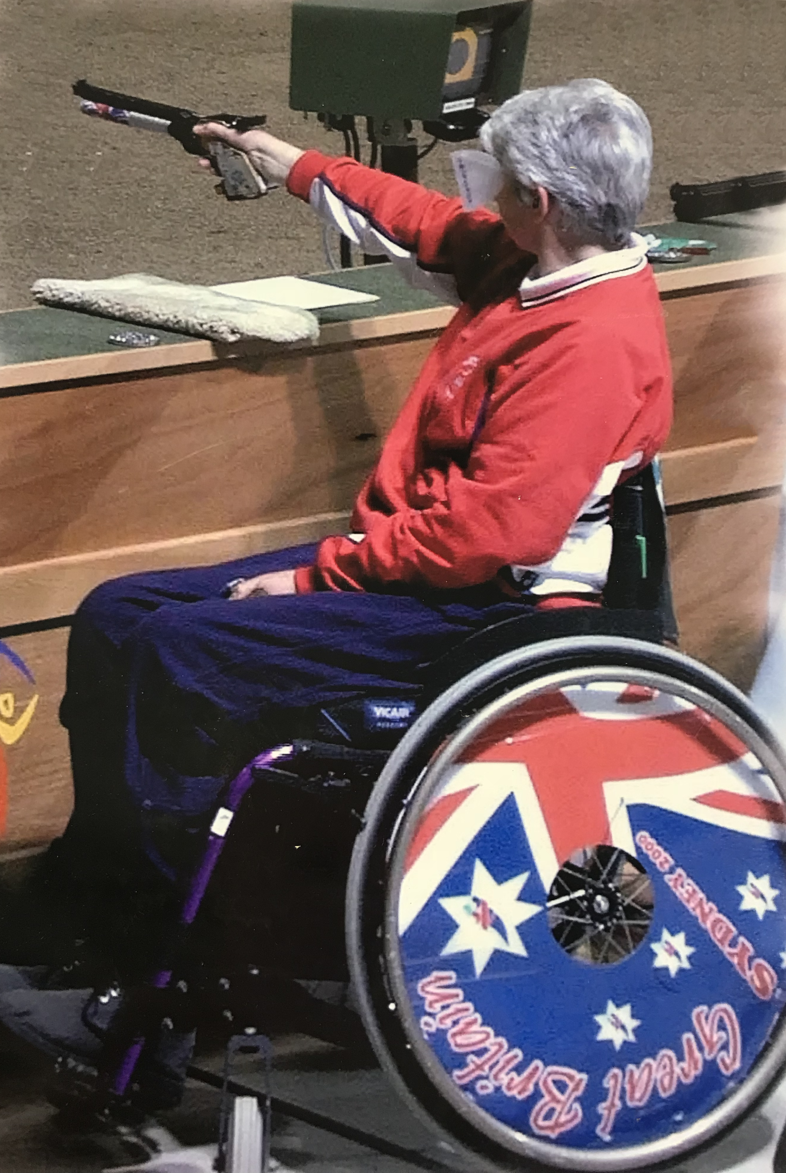 Isabel Newstead competing at the 2000 Sydney Games